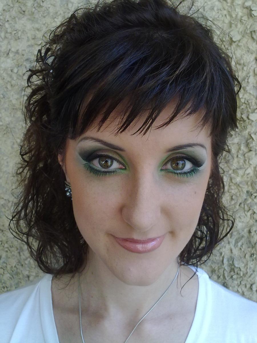 Как отражается болотный цвет глаз на