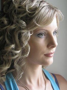 http://hairlife.ru/forum/extensions/hcs_image_uploader/uploads/0/6500/6747/thumb/p1620fv1co1jlilcd1nd8qsu1kr6.JPG